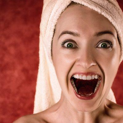 Denti sani, la pulizia arma contro carie e parodontite