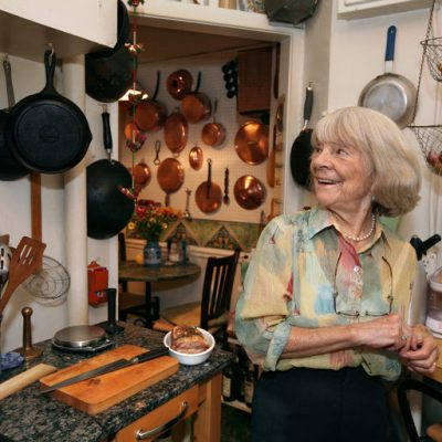 Judith Jones, addio alla donna che scoprì Julia Child