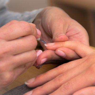 Manicure giapponese, una coccola per le mani