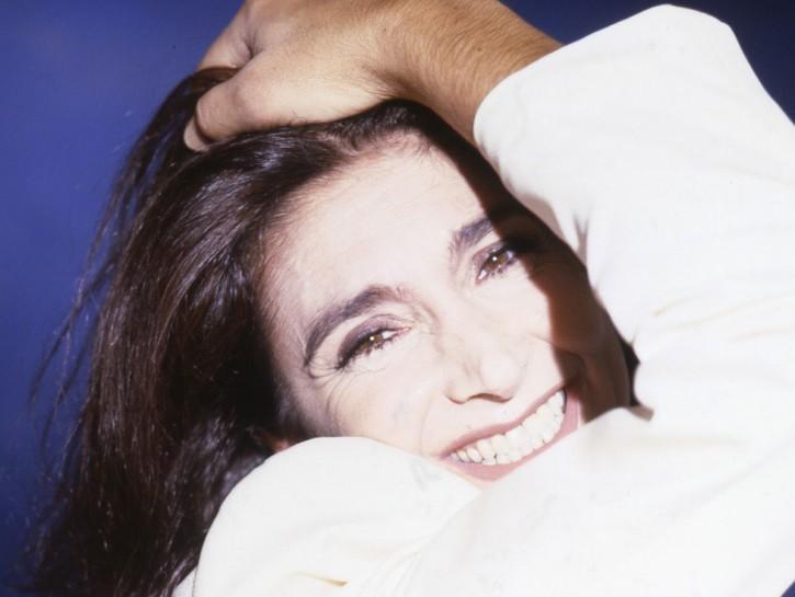 Un primo piano sorridente di Anna Marchesini