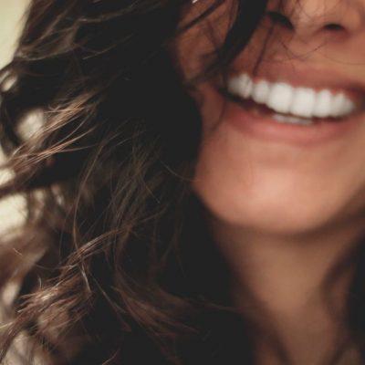 Powder lips, come truccare le labbra in maniera favolosa in 4 mosse