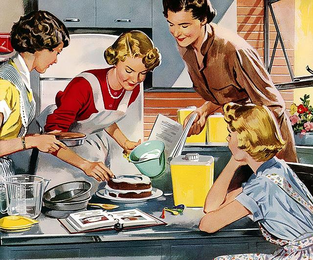 Dolce, gruppo di donne che preparano una torta