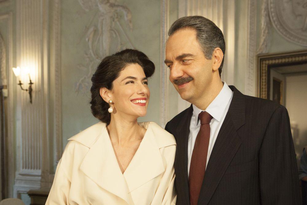 Questo nostro amore, i due protagonisti Anna Valle e Neri Marcorè