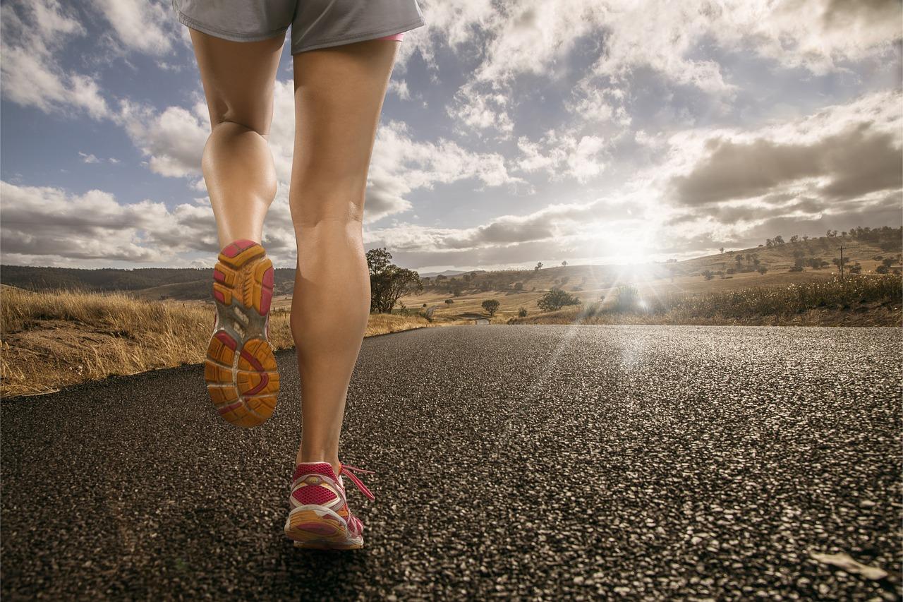 Corsa, una donna si allena