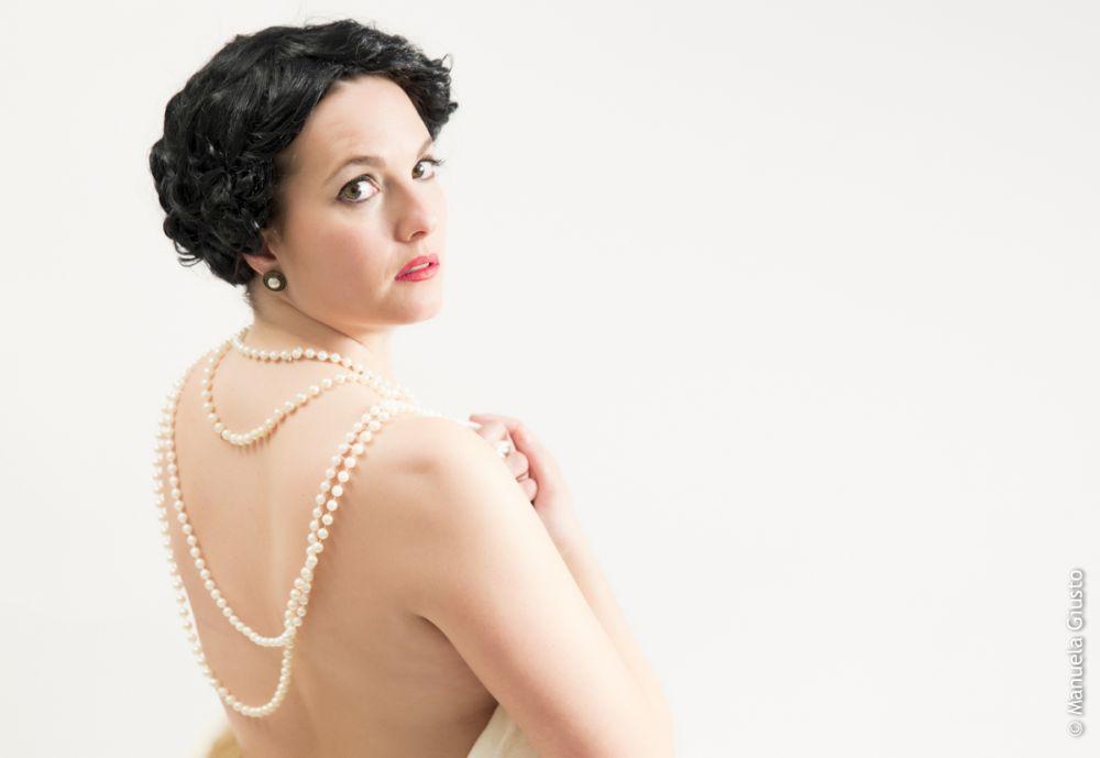 Sara Platania, in scena nei panni di Chanel