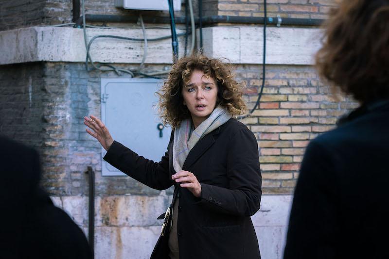 Valeria Golino impegnata sul set di Euforia
