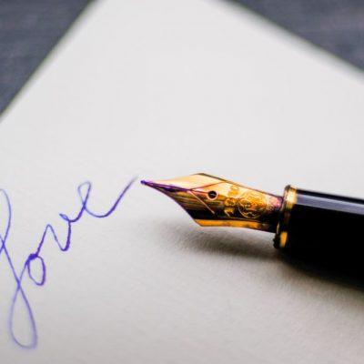 Lettere d'amore, se il virtuale è in carta e ossa