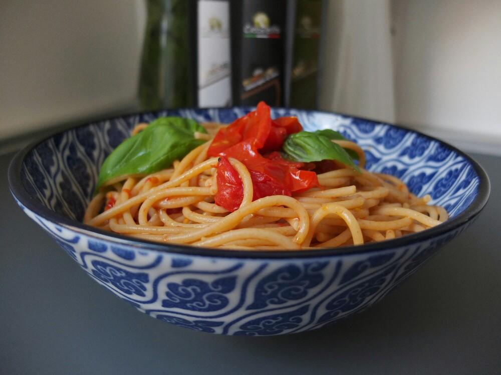 Spaghetti con pomodori arrosto