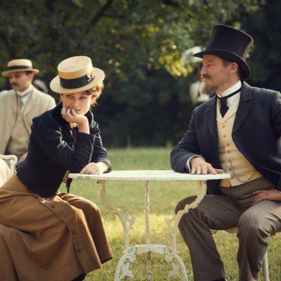 Colette, Keira Knightley è l'iconica scrittrice francese