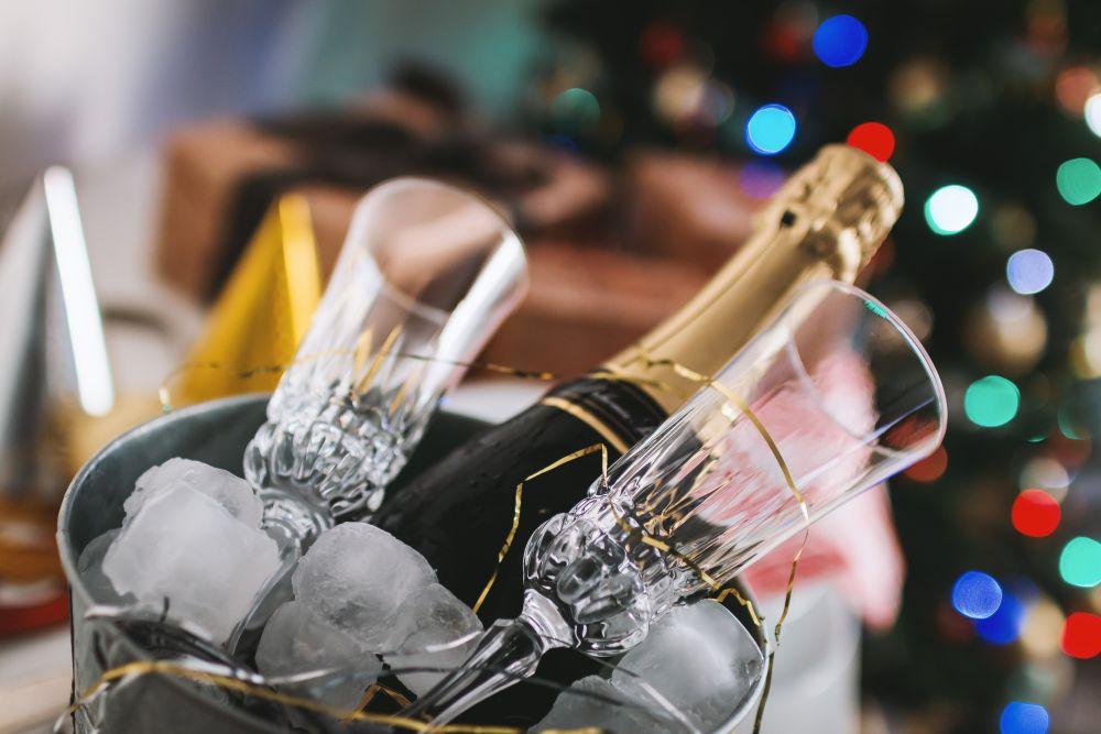 Capodanno, una bottiglia di champagne