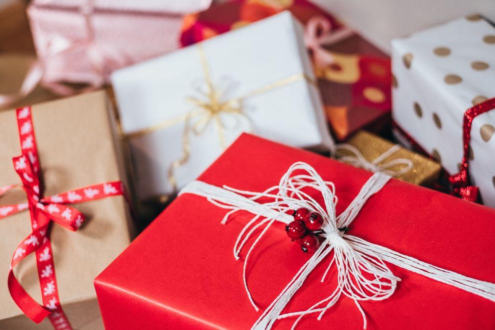 Merry Christmas, una serie di pacchetti regalo