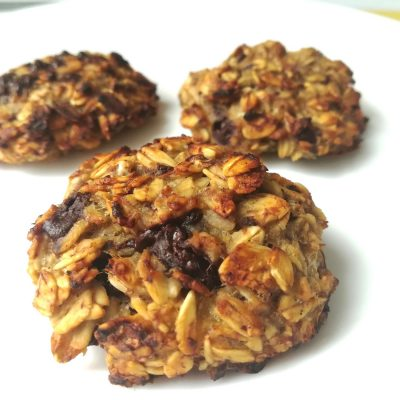Banana cookies all'avena e cioccolato, i dolcetti più semplici