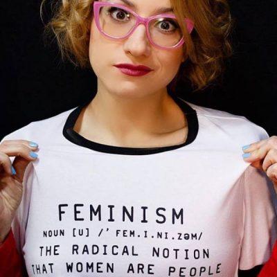 Clara Campi, tra comicità, femminismo e stereotipi