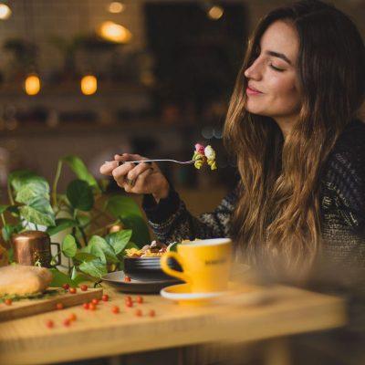 Mangia, gusta e amati col Mindful Eating